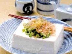 [shuǐ dòu fǔ]   水豆腐